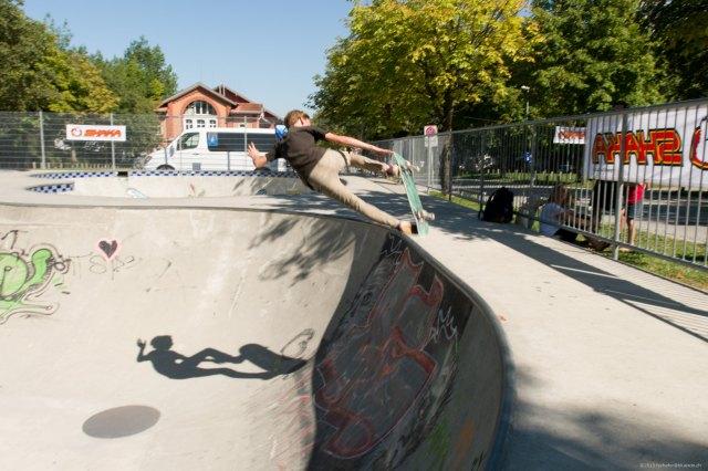 """Die """"Schattenseite"""" des Skateboarders"""